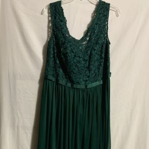 Green Plus Size Bridesmaid Formal Lace Dress